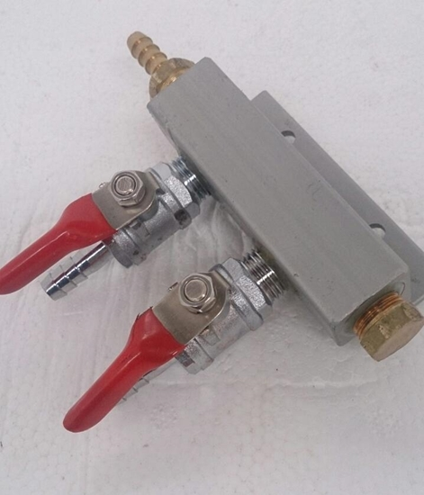 Picture of Gas Manifold 2 Way. Barbed